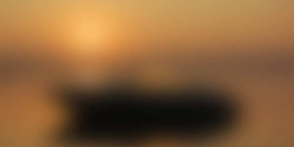 http://parkesplanada.com/wp-content/uploads/2014/03/bigstock-Boating-at-Sunrise-8913337.jpg